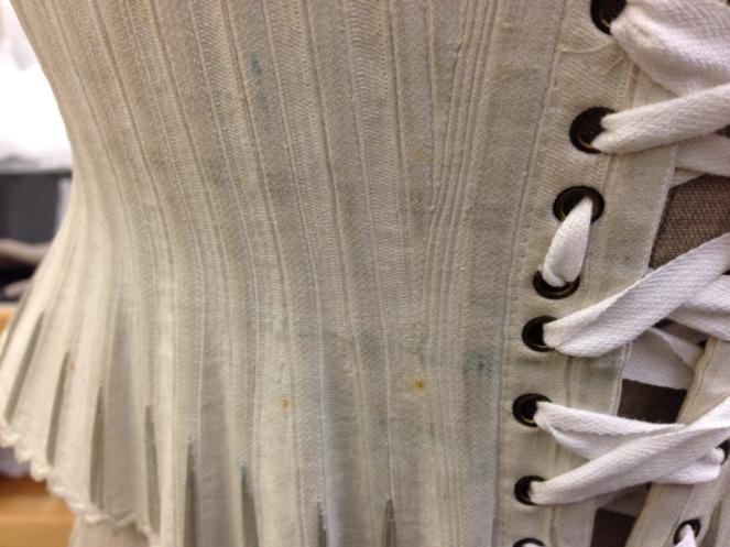2-T-114-1939-riding-corset-back_detail_76e8f5c9f43a0bc4cf11f84d000c3daf.jpg